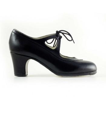 Zapato flamenco acordonado