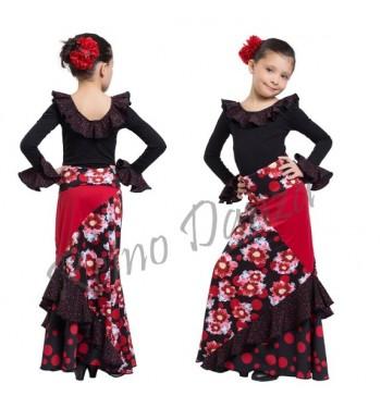 Falda flamenca entallada con volante
