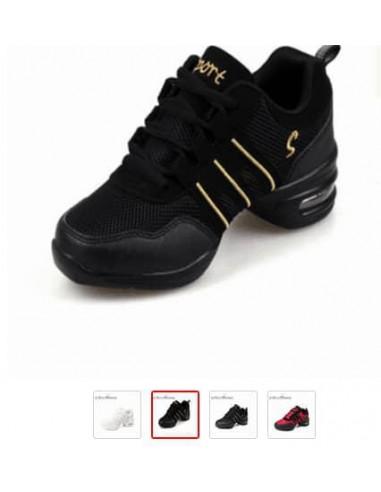 Sneakers suela de goma.