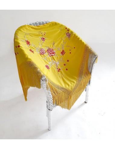 Mantón bordado flamenca
